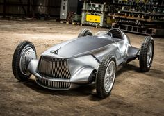 Infiniti Prototype 9 — гоночный электромобиль в ретро-стиле с максимальной скоростью 170 км/ч и «запасом хода» 20 минут