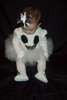 I made my 7 month old daughter a ghost costume for her first halloween