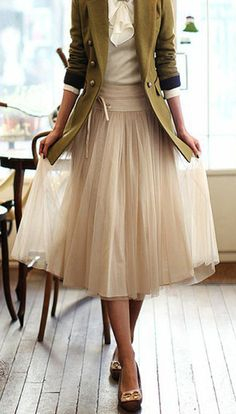 floaty skirt with blazer and pretty shoes... khaki and cream... #work wear. #summer. via #thedailystyle