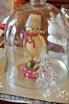 Clloche with cute snowman Retro Christmas Tree, Christmas Love, Christmas Snowman, All Things Christmas, Christmas Holidays, Christmas Crafts, Christmas Decorations, Christmas Ornaments, Holiday Decor
