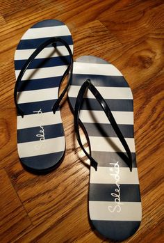 930c2441ce3683 SPLENDID Flip Flops Sandals Size 9 Blue and White Striped Mint Condition  Pre-Own