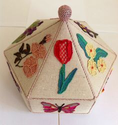 Box with needle lace by Judith Holroyd