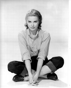 Grace Kelly ~ Hey Danie....I got this from you :) I think this is the outfit she wore in the last scene in Rear Window :)  M