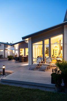 Villan Avanti är ett 1-planshus från Myresjöhus i nyfunkisstil med pulpettak. Avanti har högt i tak och stora glaspartier för härligt ljusinsläpp.