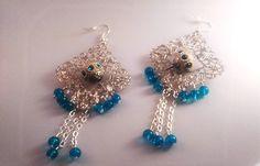 boucles d'oreille en métal argenté perle Indonésiennes et perles de verre bleues : Boucles d'oreille par chely-s-creation