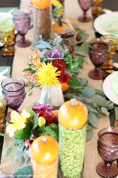 Add these colorful thanksgiving table ideas to your holiday entertaining Thanksgiving Table Settings, Thanksgiving Centerpieces, Thanksgiving Activities, Christmas Tablescapes, Thanksgiving Diy, Holiday Decorations, Holiday Ideas, Pumpkin Centerpieces, Table Centerpieces