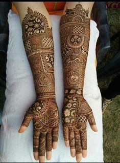 From Henna Design has a very special place in our hearts because of its simplicity and unique nature. Post Henna Design Until Elbow can be achieved using