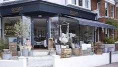 Design Vintage offers eclectic furniture and home accessories . Eclectic Furniture, Vintage Furniture, Shop Interior Design, Best Interior, Shop Interiors, Vintage Interiors, Layout, Shop Window Displays, Shop Plans