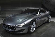 Maserati Alfieri - Prove stilistiche di futuro  Al Salone di Ginevra la Maserati espone l'Alfieri, una concept car 2+2 che celebra il centesimo anniversario del Marchio.   Si tratta di un prototipo completamente funzionante, caratterizzato dal design straordinario che anticipa i tratti stilistici futuri del Tridente. L'Alfieri porta il nome d...