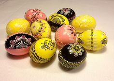Ostereier - Set von 10 Farb Ostereier - pink, gelb, schwarz - ein Designerstück von VeryAndVery bei DaWanda