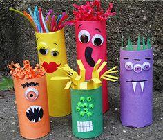 Monstruos con rollos de cartón para Halloween