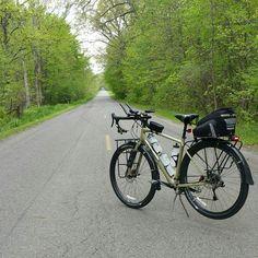 A deserted road I've never been on. Touring Bicycles, Touring Bike, Go Ride, Spring Air, Urban Bike, Bike Photo, Commuter Bike, Cargo Bike, Rio