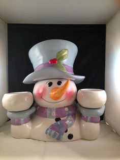 Christmas Cookie Jars, Snow Men, Ideas Prácticas, Barrels, Tins, Old And New, Cookie Cutters, Biscuit, Kitchens
