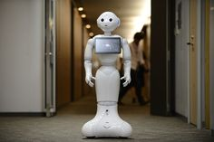 SoftBank to Sell Robot in U.S. Stores Within 12 Months - Bloomberg