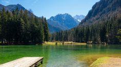 https://flic.kr/p/scCVZd | Lake Planšarsko jezero, Jezersko, Slovenia | Planšarsko jezero, Jezersko, Slovenija Jezerce, ki ima obliko srca, so zajezili domačini v spomin na veliko ledeniško jezero, po katerem je kraj dobil ime. Prav gotovo je najbolj privlačna točka v kraju in nekakšen njegov simbol. Sprehodi do Planšarskega jezera iz različnih smeri so najbolj priljubljeni med domačini in turisti, gostišče ob njem pa vam nudi dobro domačo hrano. (<a…