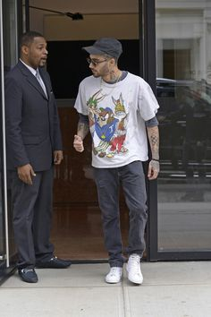 Zayn leaving Gigi Hadid's apartment in New York City on May 10, 2018.