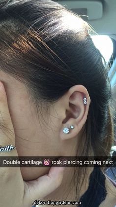 Double cartilage – piercing, You can collect images you discovered organize them, add your own ideas to your collections and share with other people. Ear Peircings, Double Cartilage Piercing, Cute Ear Piercings, Body Piercings, Cartilage Earrings, Tongue Piercings, Cartilage Piercing Stud, Orbital Piercing, Rose Gold Earrings