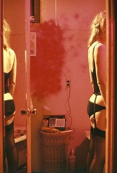 Nan Goldin, my girl... always wanting to be her.