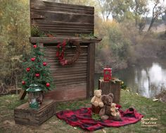 Christmas Picture Background, Christmas Background Photography, Christmas Photo Booth, Xmas Photos, Christmas Backdrops, Family Christmas Pictures, Christmas Photography, Christmas Photo Cards, Holiday Pictures