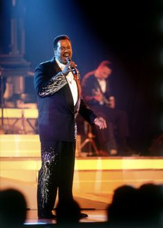 Word Life Production - Luther Vandross is one of the greatest legends of all time R&b Artists, Music Artists, Black Artists, Soul Music, Sound Of Music, Music Music, Luther Vandross, Tv Show Music, Jazz Funk