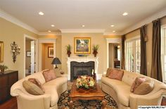 Find this living room on www.valleymls.com