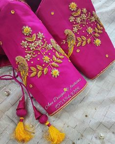 Hand Work Blouse Design, Stylish Blouse Design, Wedding Saree Blouse Designs, Fancy Blouse Designs, Simple Embroidery Designs, Maggam Work Designs, Designer Blouse Patterns, Maggam Works, Sarees