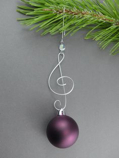 Treble Clef Christmas Tree Ornament Hangers - Wire Christmas Ornament Hooks - Handmade Christmas Decoration Hanger by WireExpressions on Etsy. *Designs, Photo's & Intellectual Property are © copyright Wire Expressions™. ALL RIGHTS RESERVED.