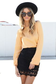 Love this skirt and shirt combo! I'd probably have to go with a powder blue shirt though. :)