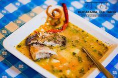 Ciorba Dunareana. Ciorba de peste la ceaun cu peste din Delta. Soup Recipes, Recipies, Romanian Food, Soul Food, Cheeseburger Chowder, Thai Red Curry, Food To Make, Seafood, Pork