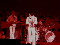 Elvis on stage at the Las Vegas Hilton in december 4 1976