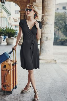Soft, drapey, elegant: our Summer Wrap Dress does day-to-evening with minimum effort. Made from silky viscose elastane, it features a flattering wrapover design nursing friendly. Good basic