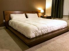 First Woodworking Project: King-Sized Platform Bed (Poplar) Bedding Master Bedroom, Bedroom Furniture Design, Modern Bedroom Design, Master Bedroom Design, Contemporary Bedroom, Bed Furniture, Bedroom Decor, King Size Bed Designs, Double Bed Designs