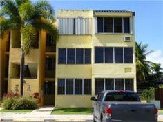 Amplio y comodo apartamento en Segundo nivel ubicado en Estancias del Rey. Consta de 3 habitaciones, 2 bano, sala, cocina, comedor, family estacionamiento para 2 autos. Incluye porton entrada, nevera,estufa, lavadora, un abanico, calentador de agua, un aire acondicionado. Aproveche y vealo hoy mismo!!! OMO787-640-6782 HECTOR787-349-5858 DAMARIS