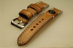 22mm natural hand made leather strap :http://zappacraft.com/index.php/product/no-15-natural-hand-made-leather-strap/