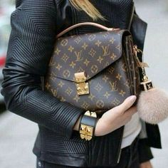 Fashion Is My Drug (@fashionismyonlydrug) • Foto e video di Instagram