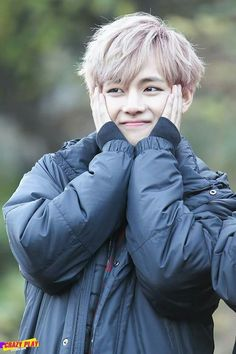 Find images and videos about cute, kpop and bts on We Heart It - the app to get lost in what you love. V Bts Cute, Bts Love, Jimin, Bts Bangtan Boy, Kim Taehyung, Namjoon, Taehyung Fanart, Daegu, K Pop