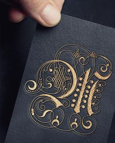 An embossed V. Trying to finish up this alphabet. How To Write Calligraphy, Calligraphy Letters, Typography Letters, Typography Drawing, Islamic Calligraphy, Script Lettering, Lettering Design, Illuminated Letters, Illuminated Manuscript