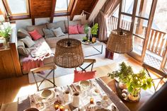〚 Home with chocolate interiors in Spain 〛 ◾ Photos ◾Ideas◾ Design Small Space Living, Living Spaces, Home Interior, Interior Design, A Frame House, Wood Interiors, Ceiling Decor, Home Living Room, Country Decor