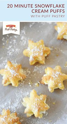 Looking for a festive dessert recipe to make this winter? Try out these 20 Minute Snowflake Cream Puffs from Amy, of Sizzling Eats! Use a cookie cutter to cut Pepperidge Farm® Puff Pastry Sheets into sweet snowflake treats. Then, add whipped crea . Köstliche Desserts, Holiday Desserts, Delicious Desserts, Dessert Recipes, Kosher Desserts, Irish Desserts, Kraft Recipes, Pepperidge Farm Puff Pastry, Cream Puff Recipe