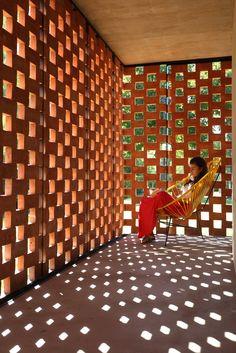 Pabellón Experimental del Ladrillo I Estudio Botteri-Connell I Brick Pavilion I Brick Brise Soleil I Light Matter I Circulation I Concrete Structure I