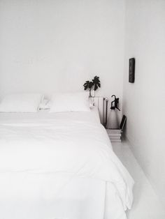 White minimal bedroom | my home | facing north with gracia