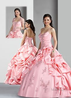 I would love to photography one of my quince gurls in this dress, it's so pretty!