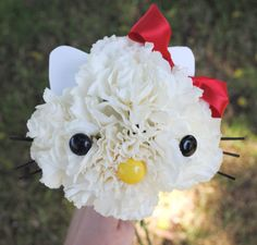 zakka life: How To Make a Hello Kitty Flower Bouquet......wouldn't use it hut cute!