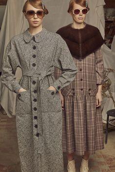 Alena Akhmadullina Fall 2019 Ready-to-Wear Fashion Show - Vogue Grey Fashion, Fashion Show, Womens Fashion, Fashion Design, Vogue, Fashion Images, Winter Dresses, Fashion Company, Cardigans For Women