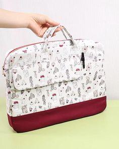 Diy Handbag, Diy Purse, Diy Laptop, Laptop Bags, Diy Bags Patterns, Bag Sewing Patterns, Pochette Diy, Diy Bag Designs, Laptop Bag For Women