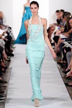 Oscar de la Renta Spring 2014 Ready-to-Wear Fashion Show - Meaghan Waller