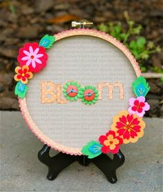 Embroidery hoop frame