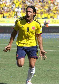 Radamel Falcao Soccer Fans, Football Players, Carlos Valderrama, Sports Stars, Chelsea, Running, American, People, Mens Tops