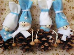 kék karácsonyi díszek
