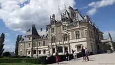 Les toits en ardoise, typiques du Berry. Château de Menetou Salon
